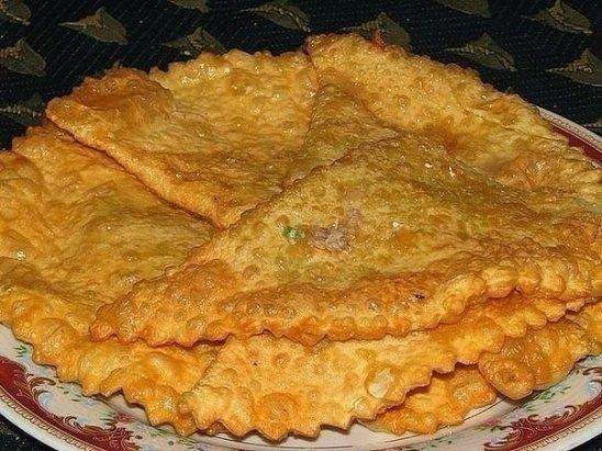 Фото к рецепту: Чебуреки по особому рецепту