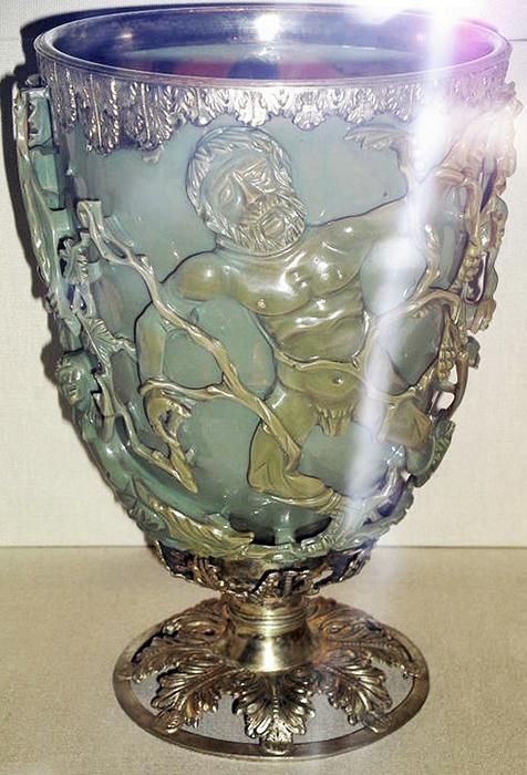 В чём секрет древнеримского артефакта, который не могут воссоздать сегодня: Кубок Ликурга