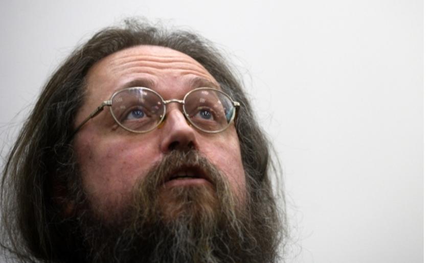 «Вне разума и совести!» Кураев оценил слова митрополита о безбожниках на войне