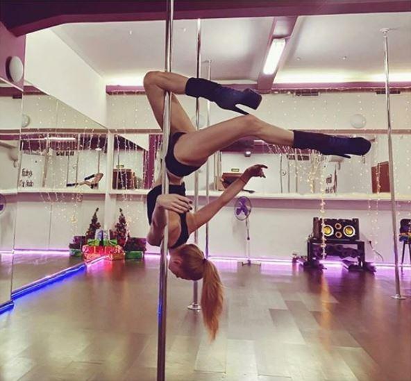 Танцующую на пилоне Светлану Ходченкову сравнили с Волочковой одаренную, танцевальными, оценить, таланты, сфереКтотодаже, сравнил, способности, Светланы, умениями, появилась, Волочковой, отдав, предпочтение, актрисеА, знали, Ходченкова, возможность, поклонников, актрису, отечественного