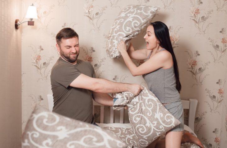 Безобидная шутка над сонной женой