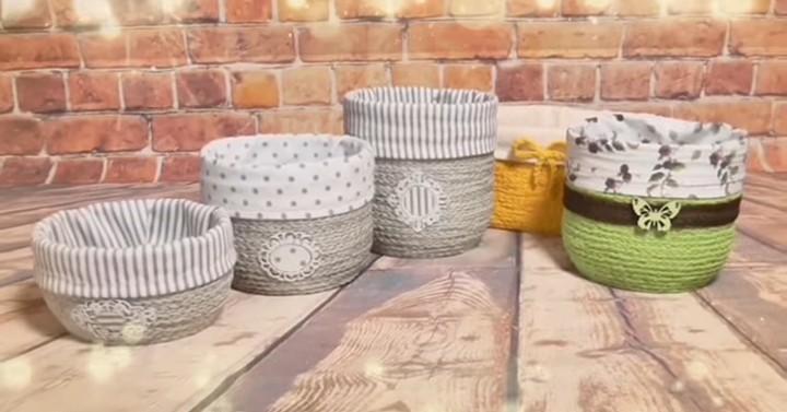 Прелестные корзиночки для дома: используйте остатки ненужной пряжи и лоскут ткани