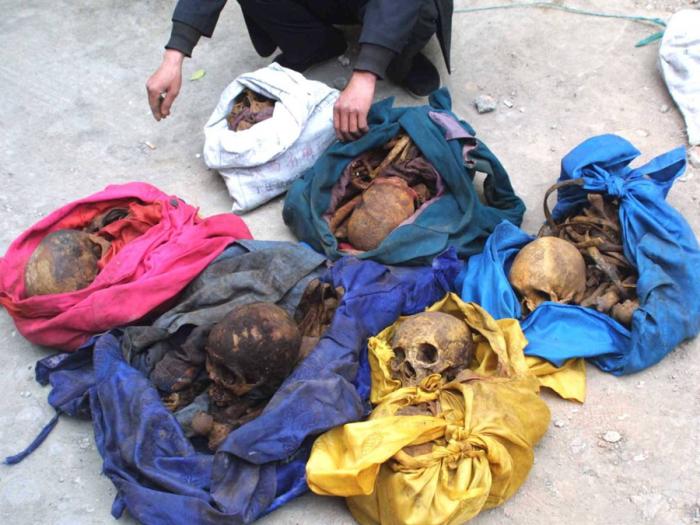 Популярный в Китае бизнес по выкапыванию тел невест.