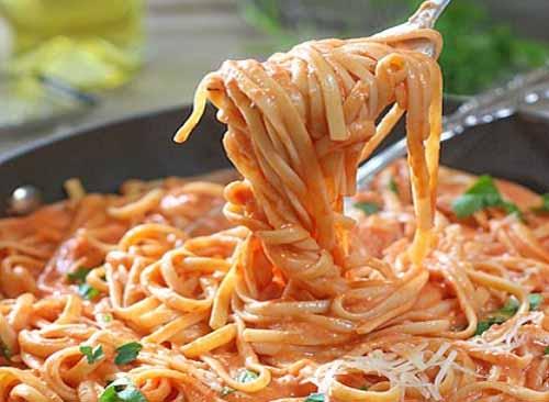 Паста с томатно-сливочным соусом