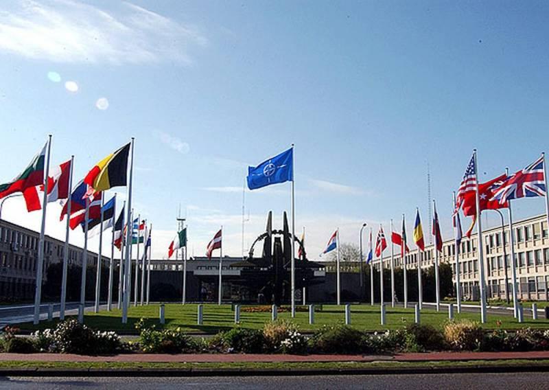 Эксперт: НАТО может вмешаться в ситуацию в Идлибе для поражения России