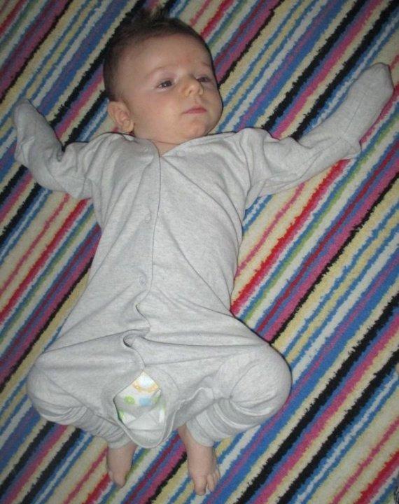 Если малыша оставить с папой, то…получаются уморительные снимки!