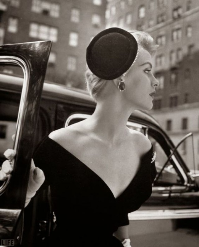 Ретро шарм: изящные женщины в чёрно-белых фотографиях Нины Лин