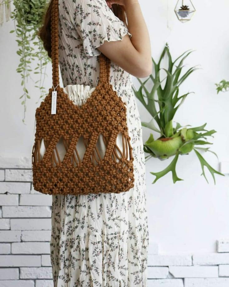 Новый тренд лета: сумки-макраме более, только, авоськи, ажурные, напротив, плотные, сумки, пляжные, объемные, выберите, легкие, одежда, летом, популярными, становятся, макраме, стиле, аксессуары, аксессуары