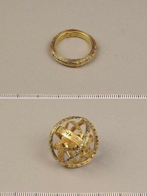 Кольцо 16 века, которое разворачивается в астрономическую сферу история, ретро, фото