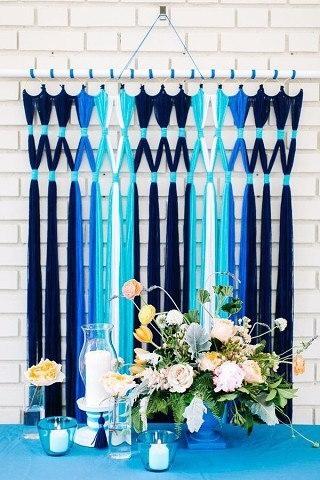 Веселенькие и разноцветные шторы из пряжи