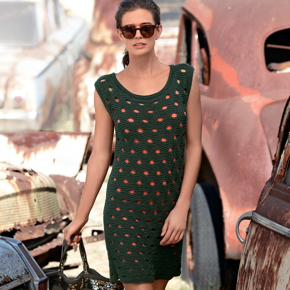 Платье спицами со сквозным узором