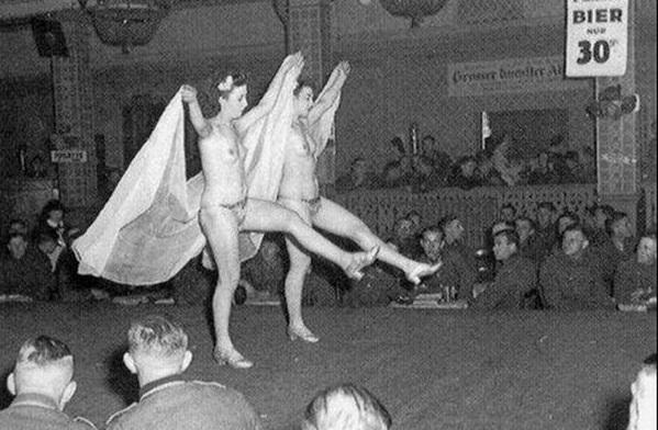 Проститутки 3го рейха.jpg
