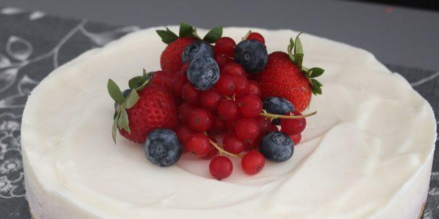 Рецепты: Блинный торт с ягодами