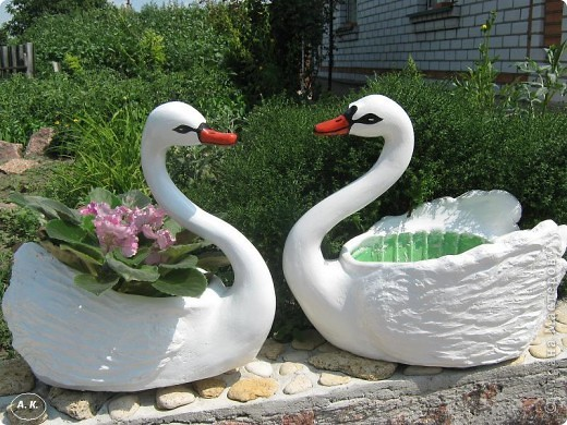 Лебедь кашпо для сада