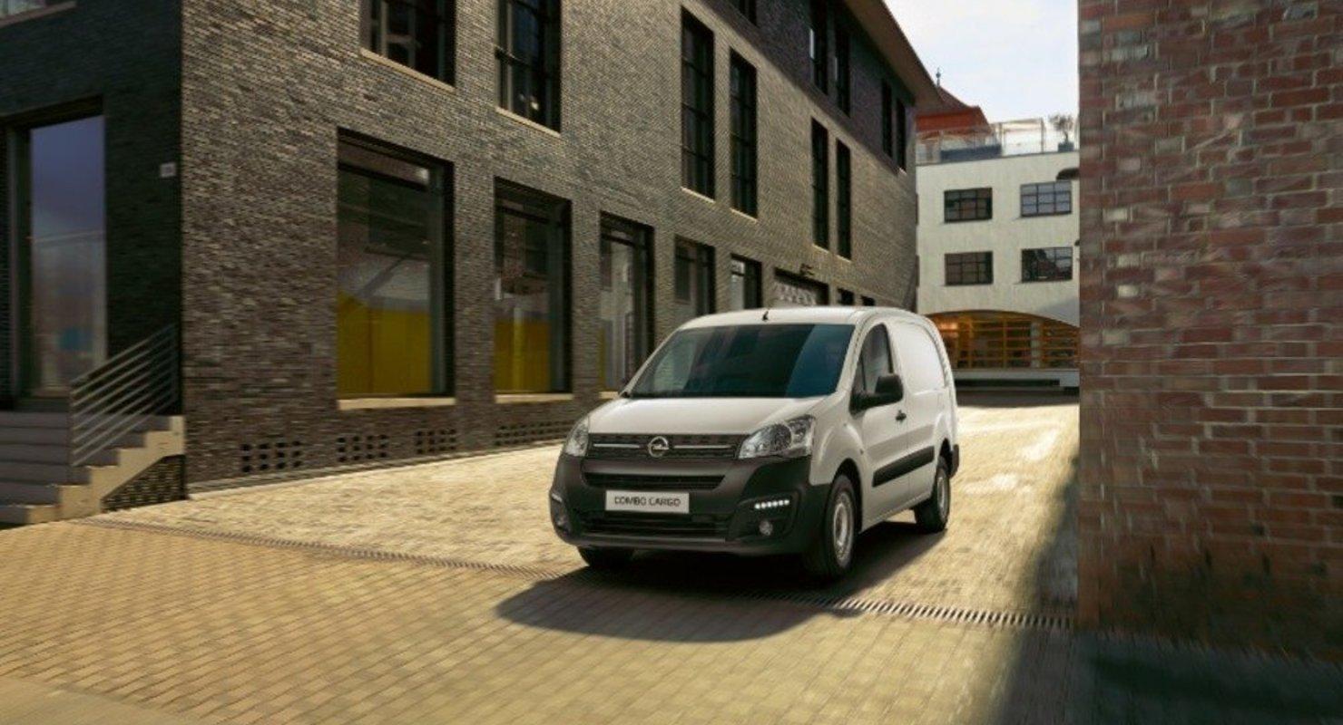 В России начался прием заказов на Opel Combo Cargo за 1,2 млн рублей Автомобили