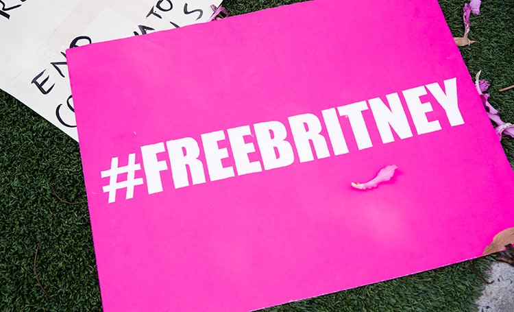 Free Britney: как дело об опеке над Бритни Спирс может спасти тысячи людей и возродить ее карьеру