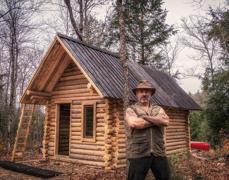 Он в одиночку построил себе бревенчатую избу. И показал, как это сделал в мире, дом, изба, красота, люди, природа, своими руками, строитель