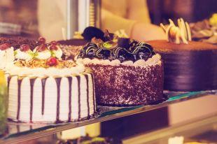 Шоколад и заварной крем. Три проверенных рецепта праздничных тортов