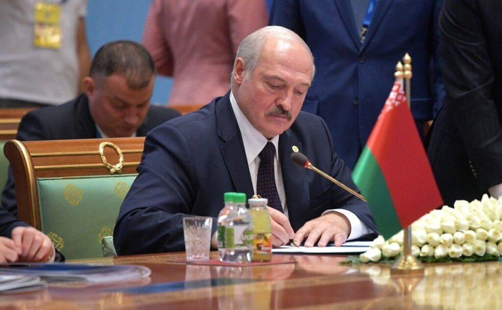 Почему Европа не сможет добиться ухода Лукашенко