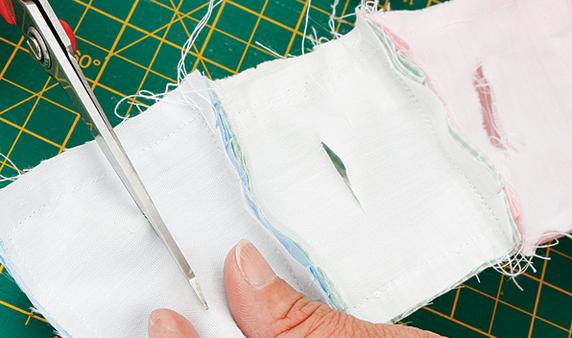 Детское одеялко из пузырьков в технике пэчворк. Мастер-класс (12) (572x338, 388Kb)
