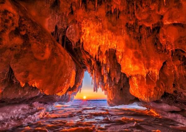Ледяное царство Ольхонских пещер