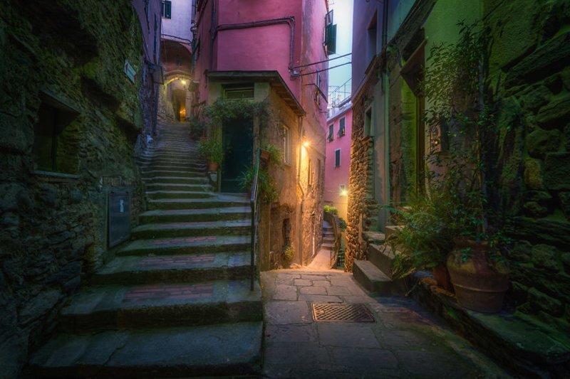 Сказочные разноцветные улочки Чинкве-Терре (30 фото)