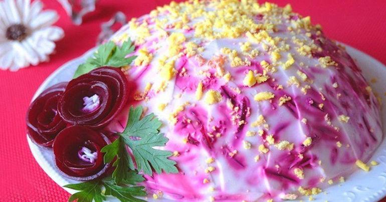 Слоеный салат «Король в гневе» готовлю на Новый год вместо шубы, дражайший супруг доволен и сыт!