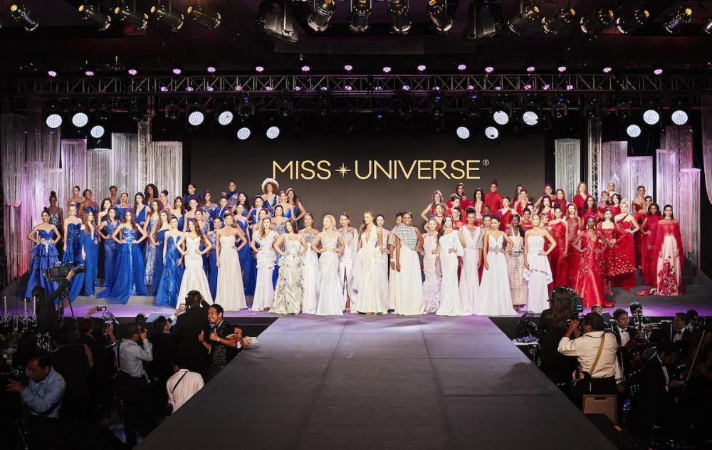 """""""Мисс Вселенная-2017"""": в бикини и вечерних платьях. Много красивых фото"""