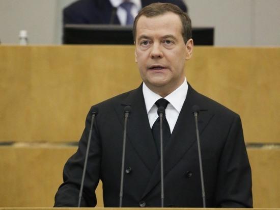 Учителя попросили Медведева, чтобы их не принуждали голосовать