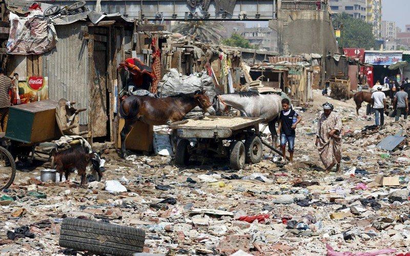 Eshash el-Sudan в районе Мухандисин города Гиза, к югу от Каира, Египет грязь, изнанка, курорты, нищета, путешествия, трущобы