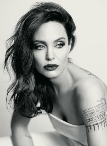 На стороне Анджелины Джоли: сын Брэда Питта Мэддокс отказался от его фамилии и выступил против него в суде Дети,Дети знаменитостей