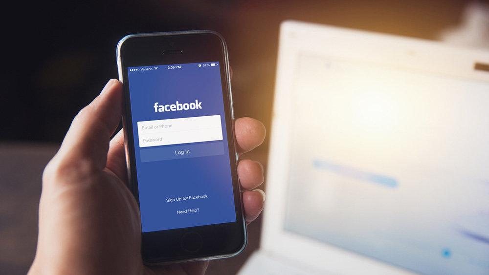 Facebook и Twitter передали Роскомнадзору сведения о данных россиян