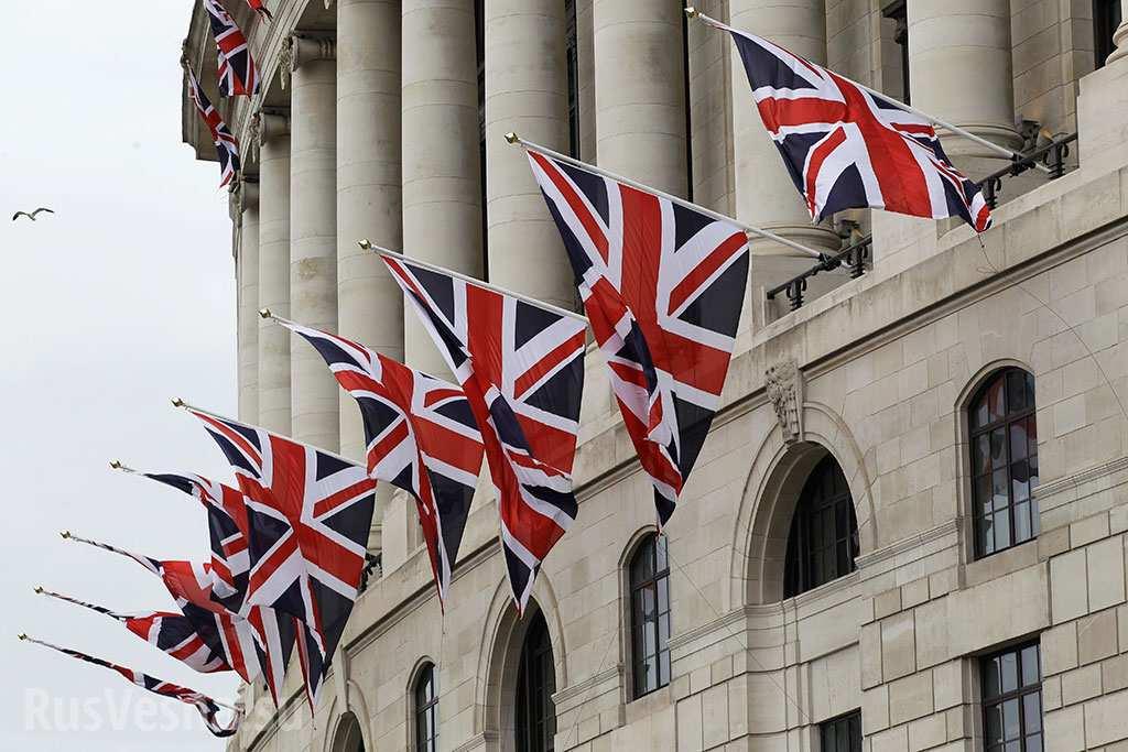 «Земля плоская»: постпред Британии хамским образом раскритиковала российскую науку