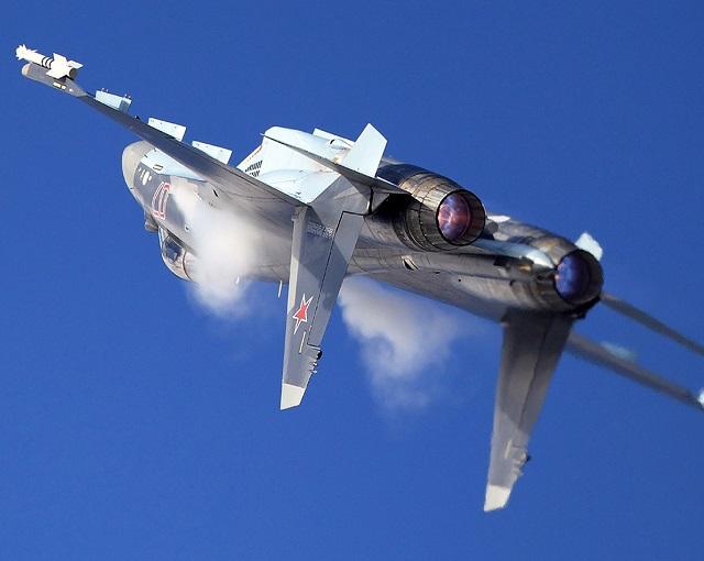 Запредельный пилотаж Су-35 попал на видео