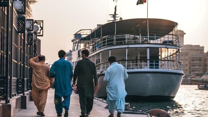 Правительство Дубая подтвердило взрыв на корабле в порту Джебель-Али Происшествия