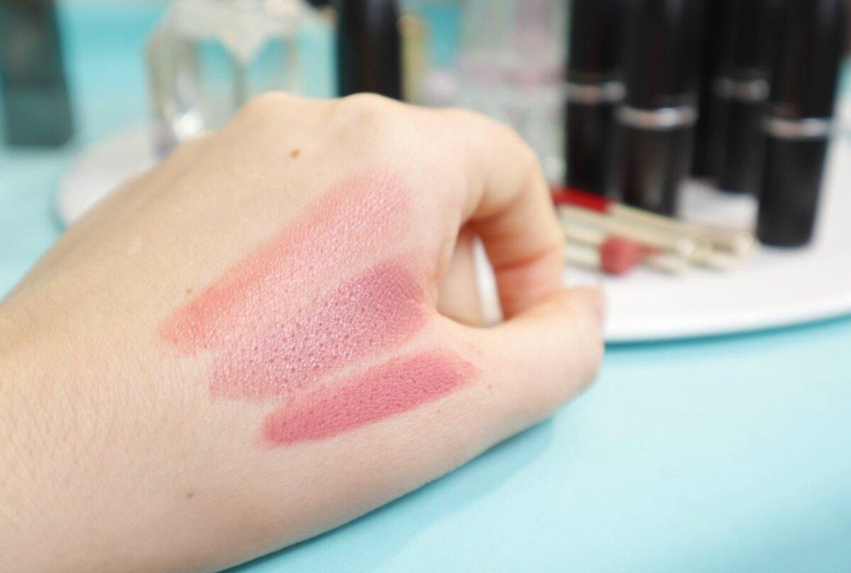 Нежные розоватые оттенки наиболее предпочтительны в омолаживающем макияже