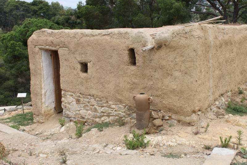 Замки и древние поселения Льорета история