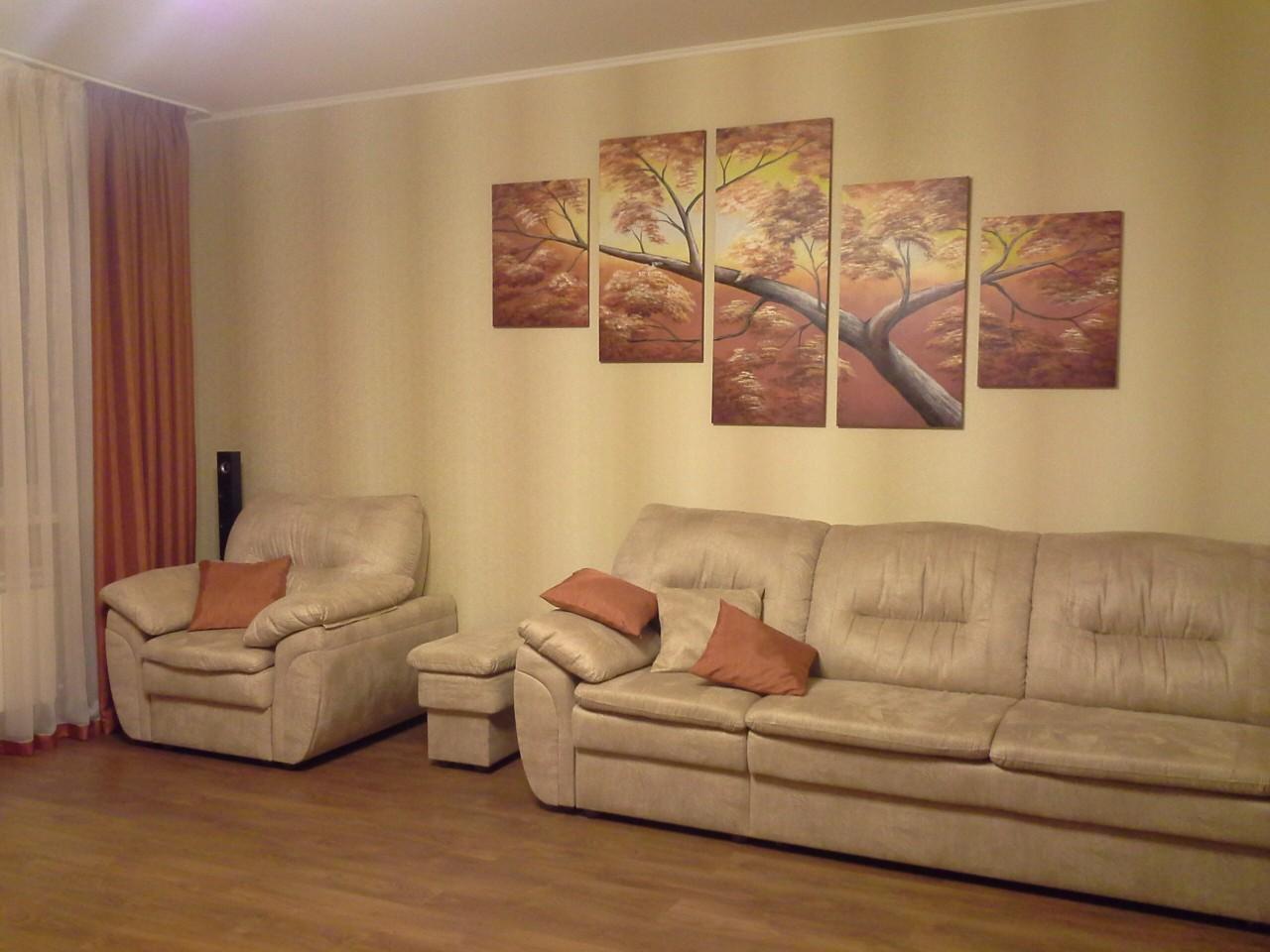 картина для зала над диваном будущего