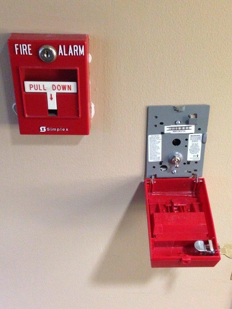 1. Внутри пожарной сигнализации — простой выключатель вещи, внутри, изнутри, подборка, разрез, фото
