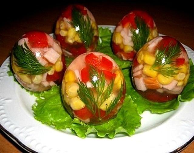 Красиво и вкусно! Заливные «яйца»