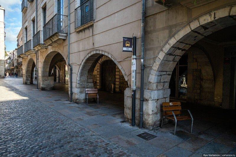 Как должен выглядеть городок для туристов Городская среда, архитектура, жирона, испания, каталония, урбанистика