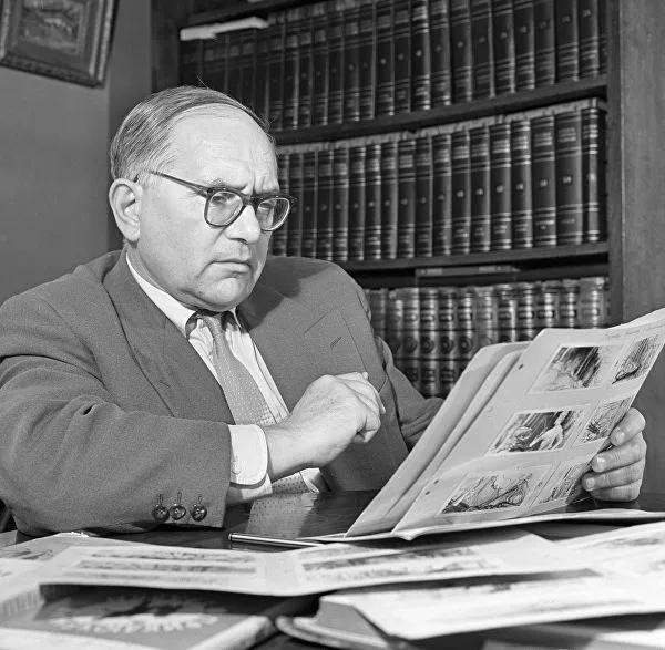 19 апреля 1900 года родился Александр Птушко ссср