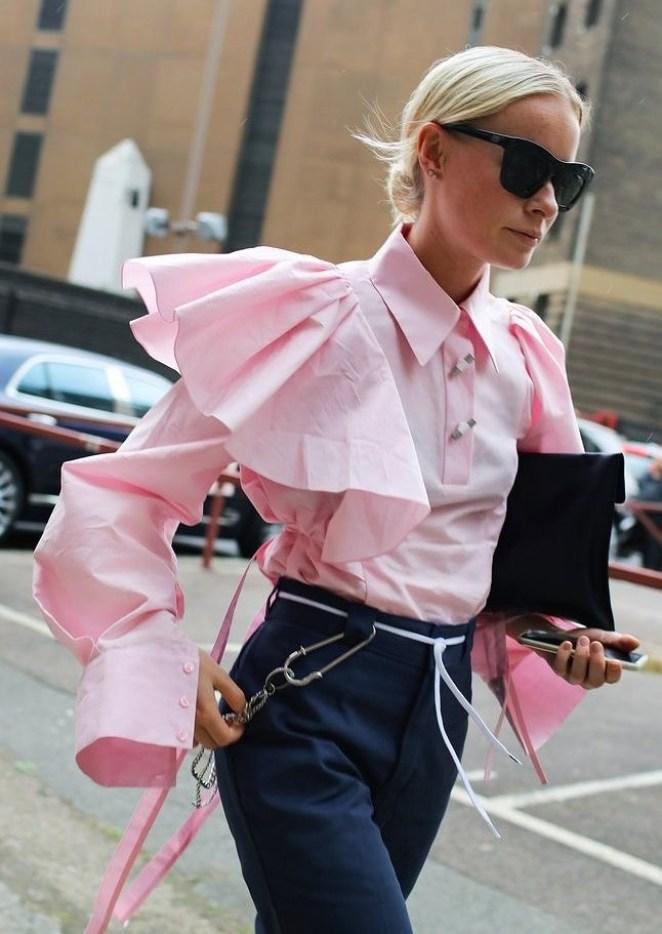 С чем носить розовую рубашку женскую фото