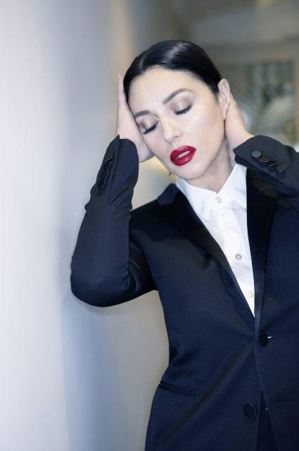 Моника Беллуччи снялась для обложки глянца и рассказала о самоизоляции Интервью