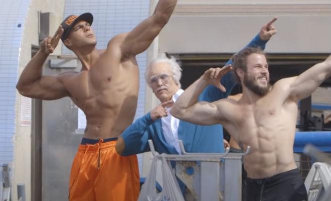 Олимпиец-штангист переоделся в пенсионера и вышел на тренажеры посоревноваться с самоуверенными силачами Культура