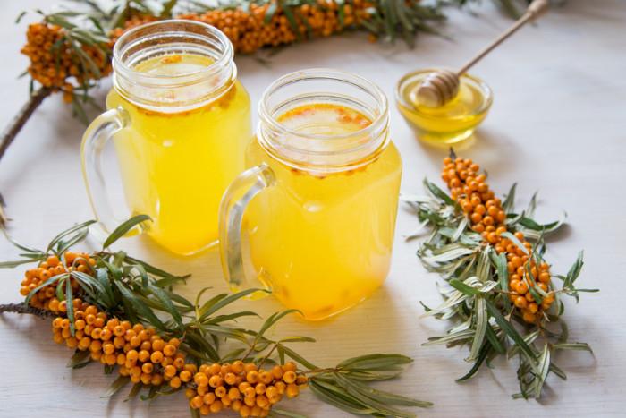 Лимонад из облепихи с лимоном и имбирем