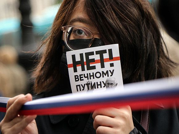 Для Путина требуют ввести профессиональный ценз