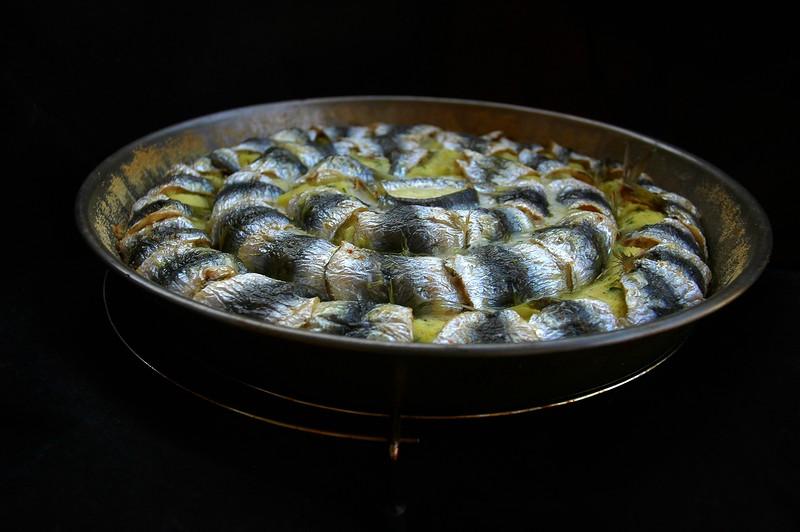 Коронный картофельный торт с рыбой