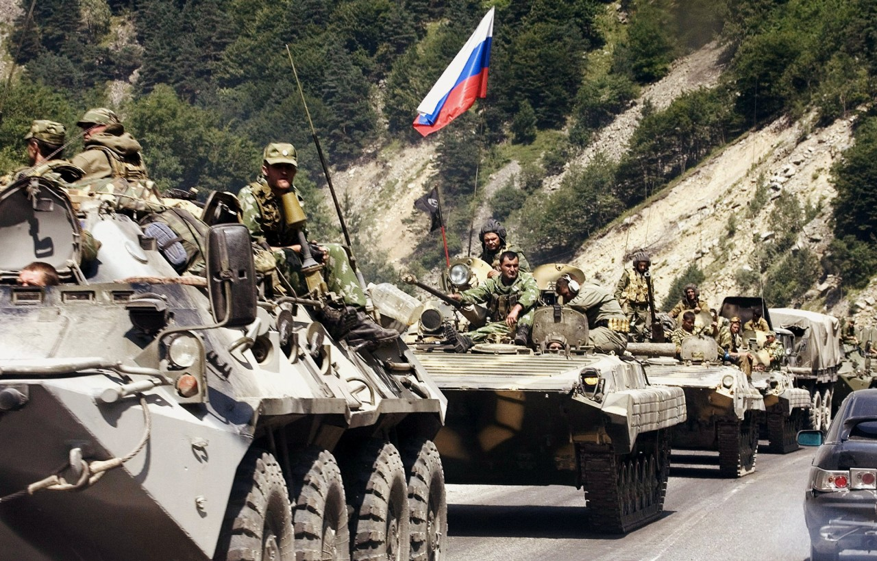Россия идет, злая и голодная…