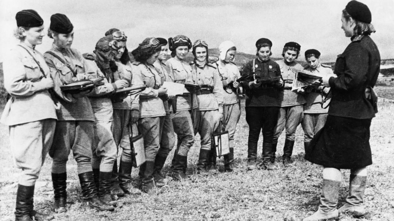 «Ночные ведьмы»: отважные женщины-пилоты, которые бомбили нацистов по ночам